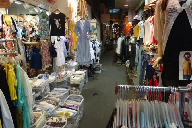台湾 五分埔服飾広場 レビュー
