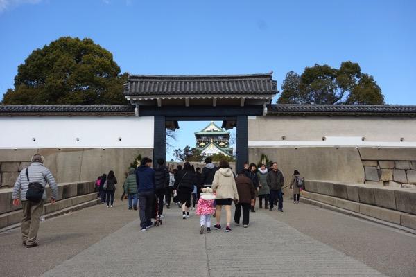 大阪城の門1