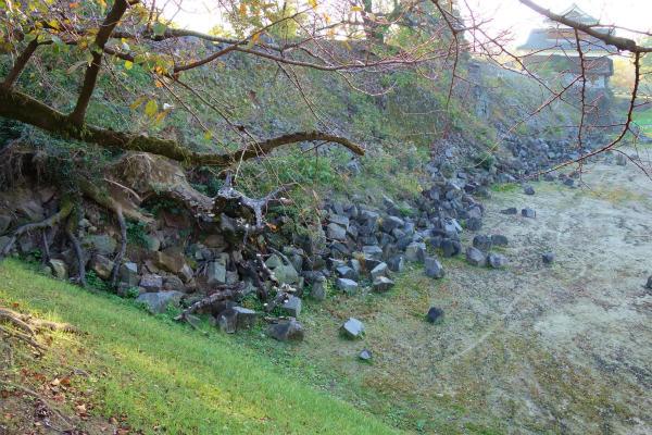 熊本城 地震で崩れた石垣