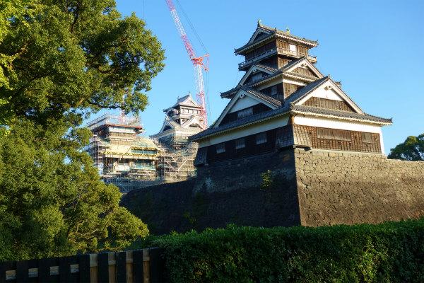 熊本城、加藤神社からの宇土櫓と天守